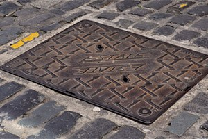 manhole-300
